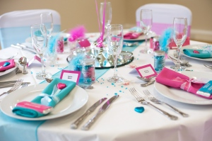 Fuschia Table setting in the brights!
